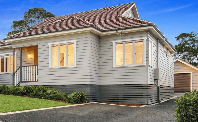weatherboard house -